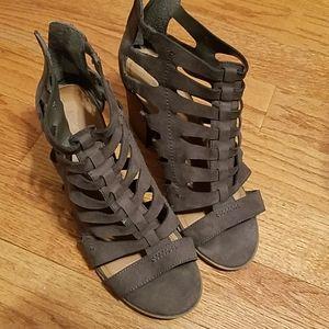 Indigo rd. Sz 9.5M Chocolate Shoes Sandals Boots